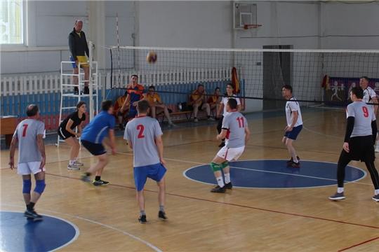 Команда алатырской администрации достойно выступила на республиканских соревнованиях по волейболу