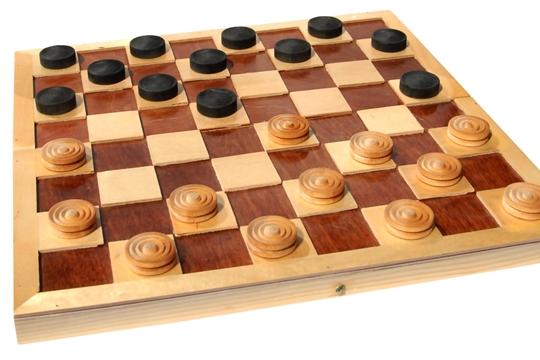 «Алатырские вести» приглашают сыграть в шашки