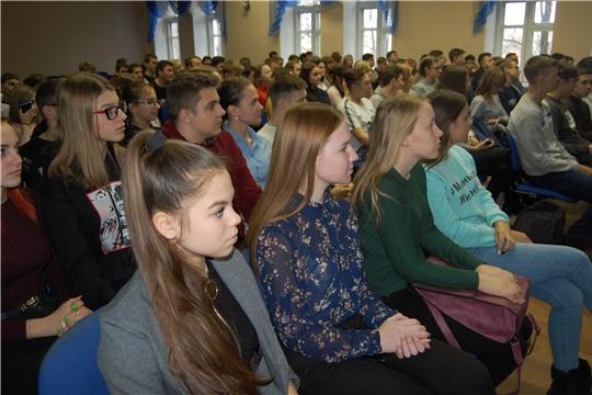 Студентам Алатырского филиала СамГУПС рассказали о правах и обязанностях несовершеннолетних