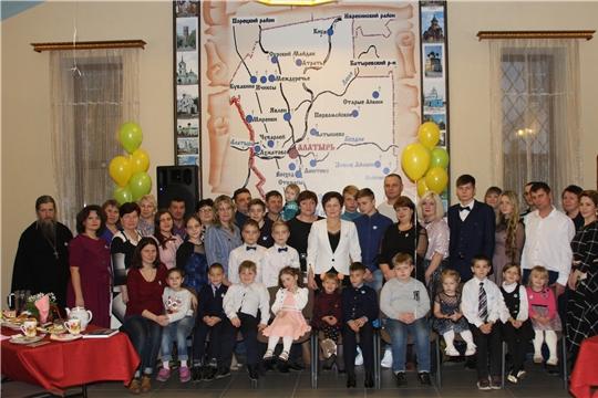 Мероприятие для многодетных семей организовали Центр русской культуры Чувашской Республики и АО «Завод «Электроприбор»