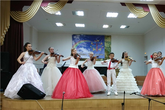 Чебоксарам – 550: городской фестиваль творческих коллективов «Музыка без границ» собрал 46 творческих коллективов столицы