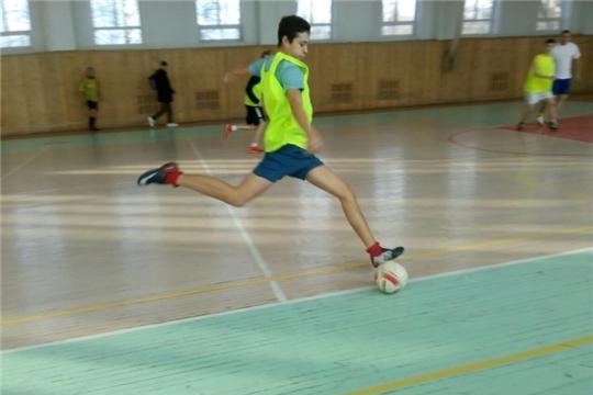 В Чебоксарах проходит турнир по мини-футболу «Футбол - игра народная»