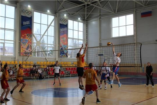 В г. Канаш прошли игры по волейболу в зачет Спартакиады среди работников ОМСУ