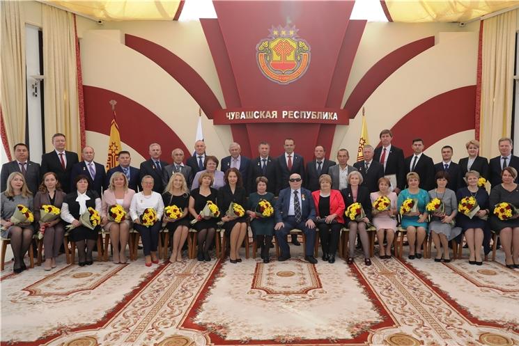 Глава Чувашии Михаил Игнатьев вручил государственные награды Российской Федерации и Чувашской Республики.
