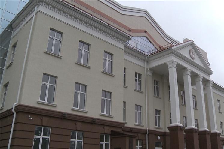 Глава Чувашии Михаил Игнатьев побывал на  строительстве многопрофильной поликлиники Центральной городской больницы в Чебоксарах