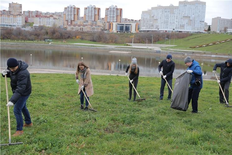 Сотрудники Администрации Главы Чувашской Республики провели экологический субботник