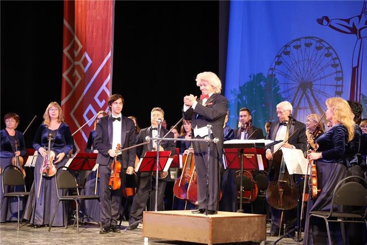 В г. Симферополе торжественно открылись Дни культуры Чувашской Республики