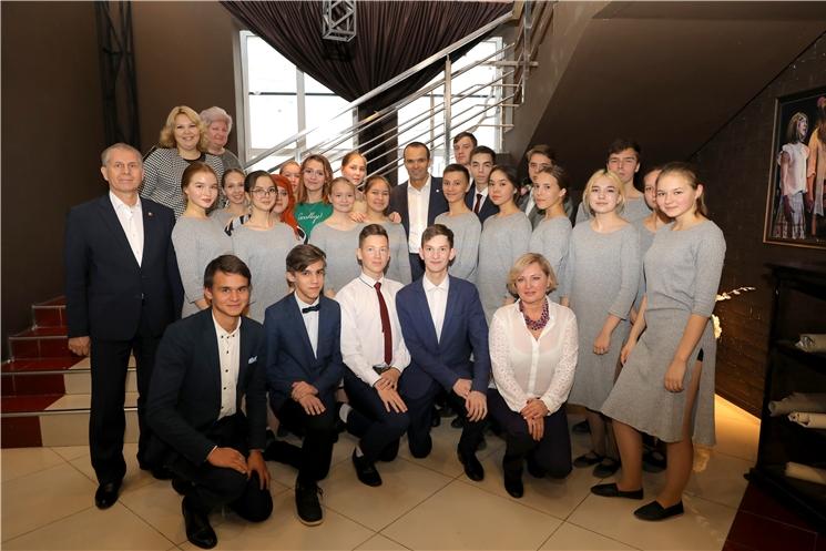 Глава Чувашии Михаил Игнатьев высоко оценил спектакли, представленные на окружной конкурс «Театральное Приволжье»