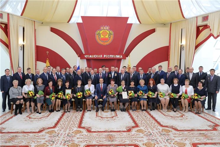 Михаил Игнатьев вручил государственные награды Российской Федерации и Чувашской Республики труженикам села