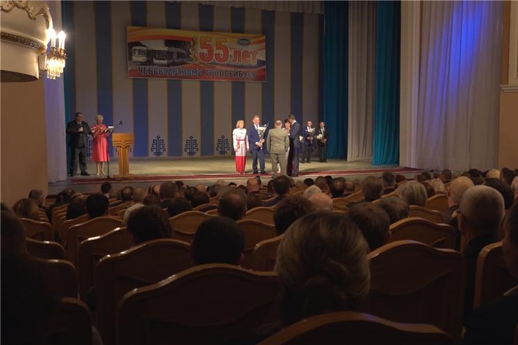 Глава Чувашии Михаил Игнатьев поздравил коллектив Чебоксарского троллейбусного управления с юбилейной датой