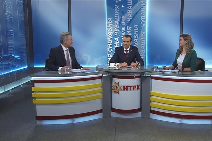 Глава Чувашии Михаил Игнатьев отвечал на вопросы жителей в прямом эфире Национального телевидения.