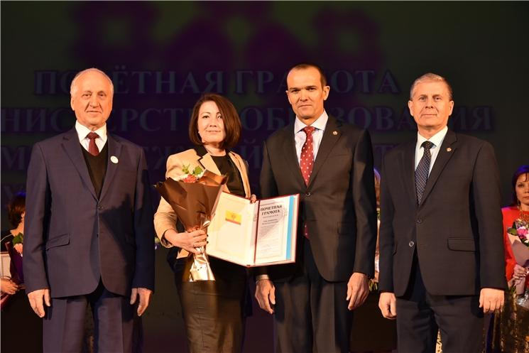Михаил Игнатьев принял участие в торжественном мероприятии, посвящённом 75-летию Чебоксарского электромеханического колледжа