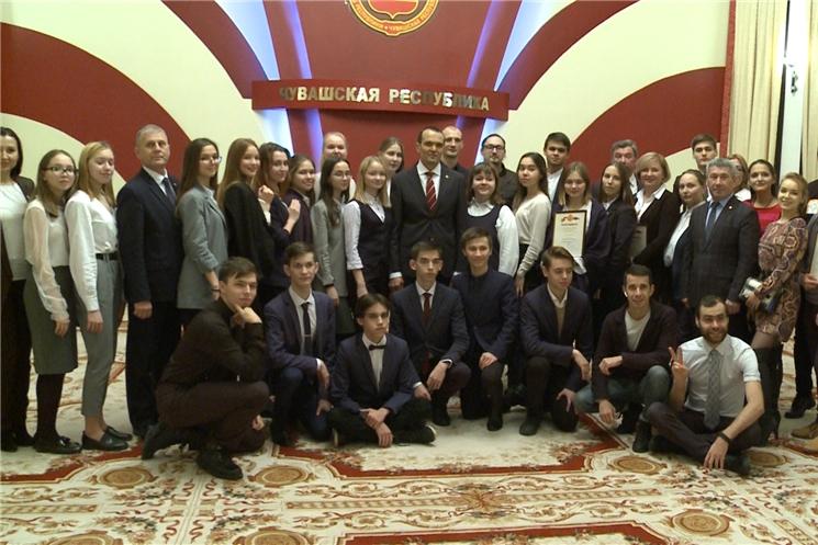 Глава Чувашии Михаил Игнатьев поблагодарил победителей окружного фестиваля «Театральное Приволжье» за творческие достижения