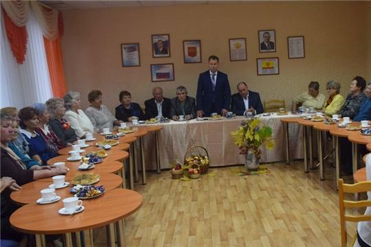 В ходе встречи руководства администрации города Шумерля с ветеранами произошел полезный обмен информацией, выслушаны наболевшие вопросы