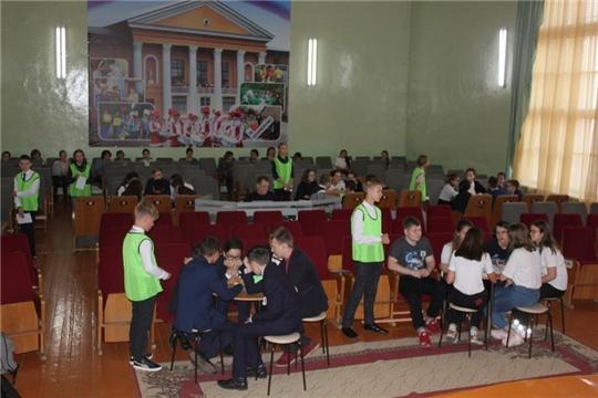В Шумерле прошел зональный открытый чемпионат по играм «Что? Где? Когда?»
