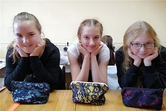 В Центре детского творчества города Шумерля продолжает свою работу студия дизайна одежды «New look»