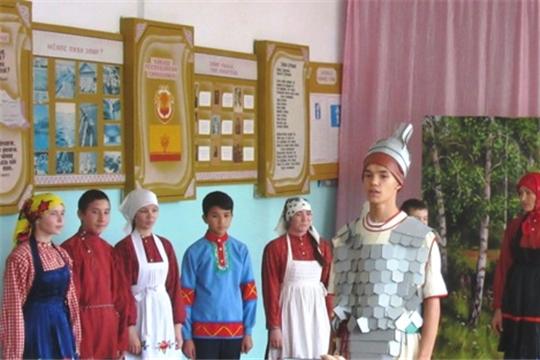 В рамках акции «Дети читают Айги» участники театральной студии «Живое слово» гимназии №8 выступили с литературно-музыкальными композициями на родине Г.Н. Айги