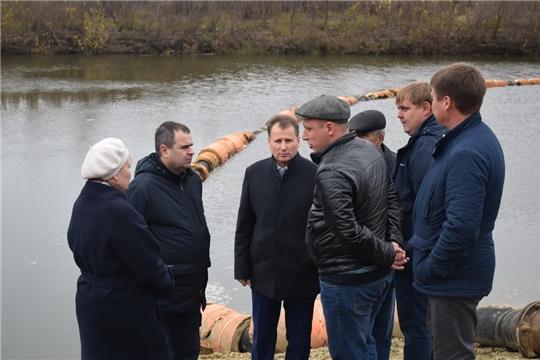 В рамках Единого информационного дня в Шумерле информгруппа проинспектировала объекты жилищно-коммунального хозяйства