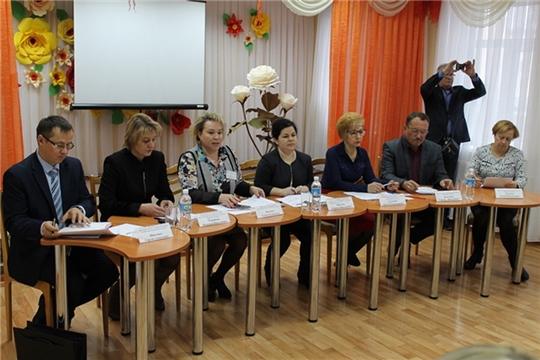 В рамках Дня Фонда социального страхования в Шумерлинском КЦСОН состоялся республиканский круглый стол по вопросу обеспечения инвалидов техническими средствами реабилитации