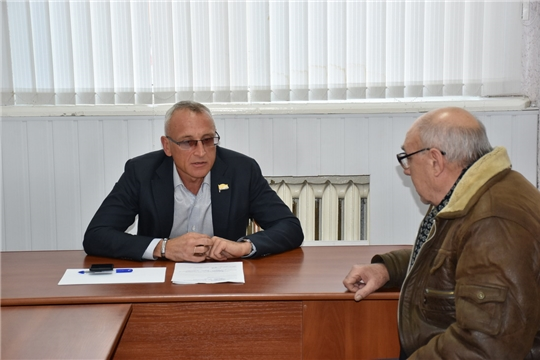 Депутат Государственного Совета Чувашской Республики Сергей Мельников провел выездной прием граждан в городе Шумерля