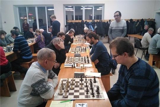 Шумерлинские шахматисты - в группе лидеров Чемпионата Чувашии по шахматам 2019 года