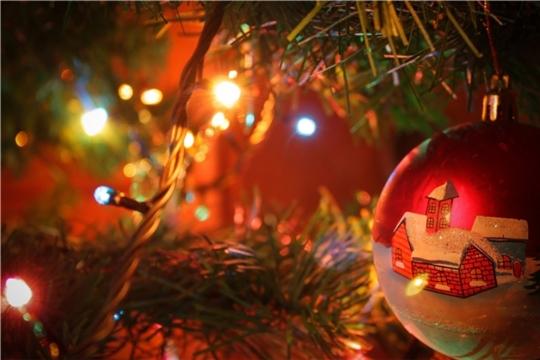 Новогодняя ёлка и гирлянды: правила пожарной безопасности