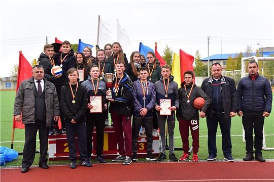 Определились сильнейшие команды бегунов Ибресинского района на легкоатлетическом беге на призы кавалера Ордена Мужества Азата Аширова