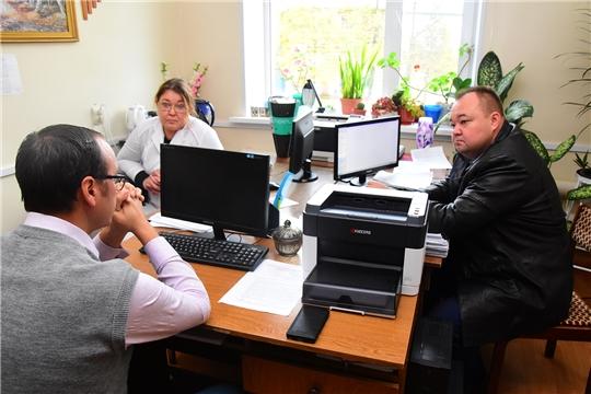 Сергей Горбунов ознакомился с ходом ремонта поликлиники Ибресинской ЦРБ