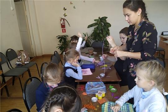 В Детской библиотеке Ибресинского района продолжаются мероприятия из цикла «Удивительный мир цветов»