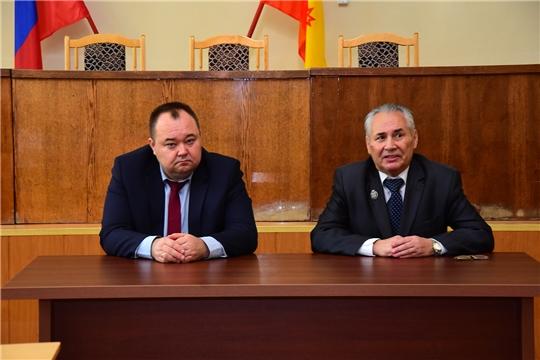 Состоялась встреча главы администрации района, руководителей общеобразовательных учреждений с заслуженным работником высшей школы Чувашской Республики и Российской Федерации