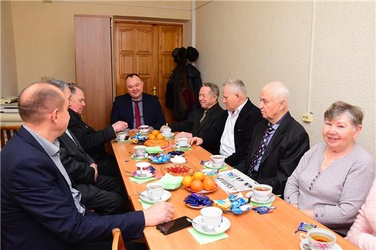 Ветераны делятся с опытом и мудростью с работниками администрации Ибресинского района