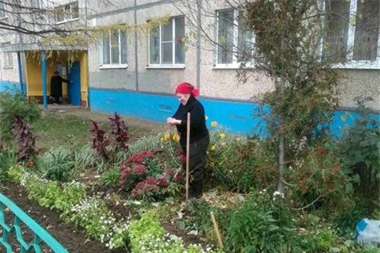 Жители Калининского района активно включились в городской экологический месячник