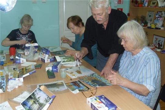 К долголетию вместе с волонтерами «серебряного» возраста