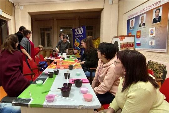 В Калининском районе в рамках международного дня солидарности незрячих прошел открытый мастер-класс по мыловарению