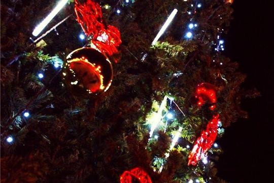 Калининский район: новогоднее оформление дарит горожанам ощущение праздника