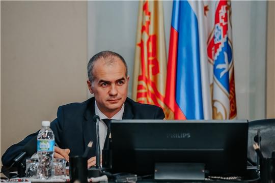 Алексей Ладыков провел прямую линию с онлайн-трансляцией