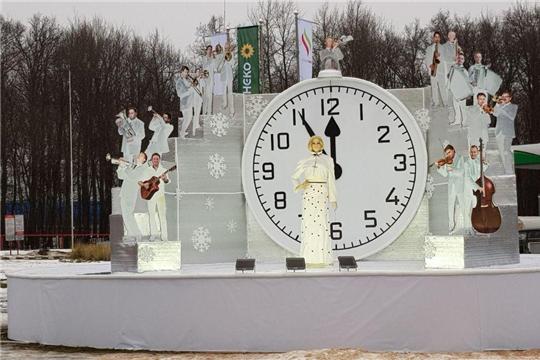 Калининский район: яркие огни иллюминаций приближают горожан к новогодней сказке