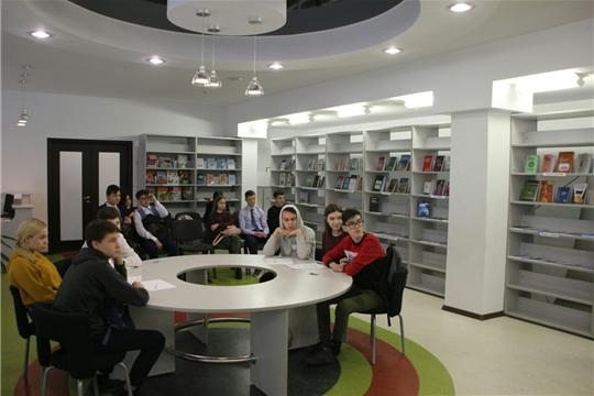 Команда молодежного правительства Калининского района провела дебаты, приуроченные ко Дню Конституции