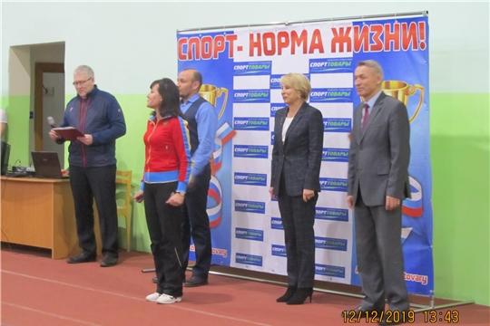 В столице Чувашии прошли соревнования по легкоатлетическому троеборью среди юношей и девушек, посвященные Дню Конституции Российской Федерации