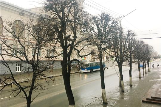 В Чебоксарах усилен контроль за состоянием контактной сети, чтобы не допустить перебоев в работе троллейбусов