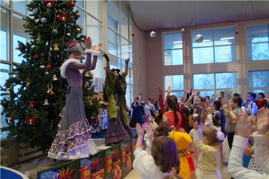 В Калининском районе прошла благотворительная елка для детей из малоимущих и многодетных семей
