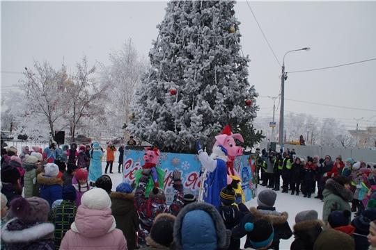 """В новогоднюю ночь на обновленной площадке у ТК """"Шупашкар"""" горожан ждет праздничная программа"""