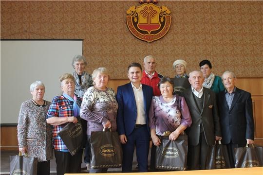 Чествование ветеранов администрации Козловского района