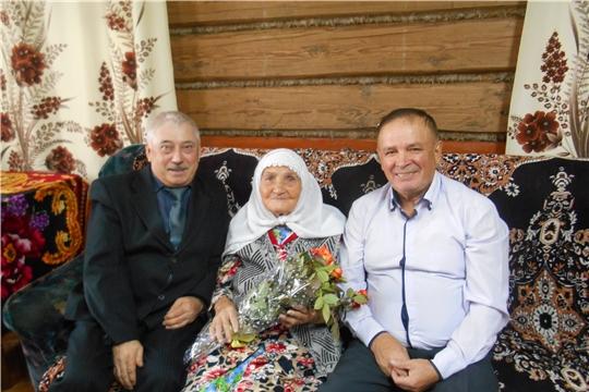 90-летний юбилей отмечает труженик тыла Хасанова Аминя Бадыговна