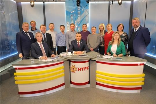 В эфире Национального телевидения Чувашии состоялась очередная «прямая линия» с участием Главы республики Михаила Игнатьева