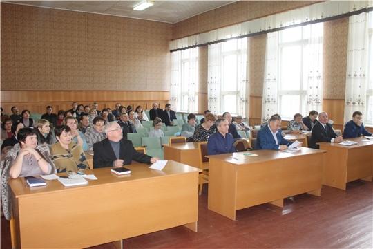 В администрации Козловского района прошло еженедельное расширенное совещание с руководителями
