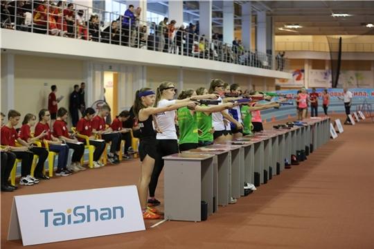 Всероссийские соревнования по современному пятиборью среди юношей и девушек в Новочебоксарске собрали более 200 сильнейших спортсменов из разных регионов России