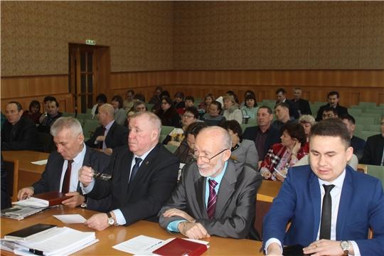 Глава администрации Козловского района Андрей Васильев провел еженедельное расширенное совещание с руководителями