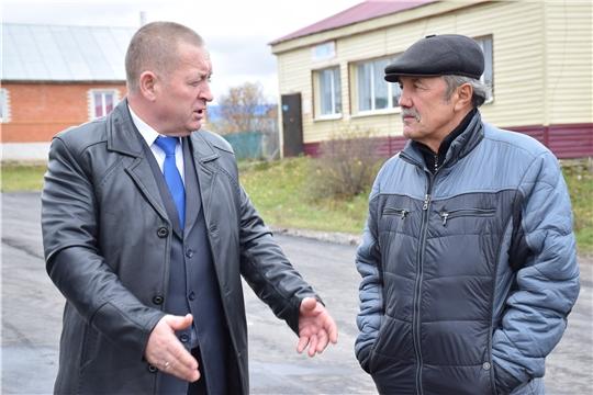 Глава администрации Красночетайского района провел очередной рабочий объезд по объектам дорожного строительства