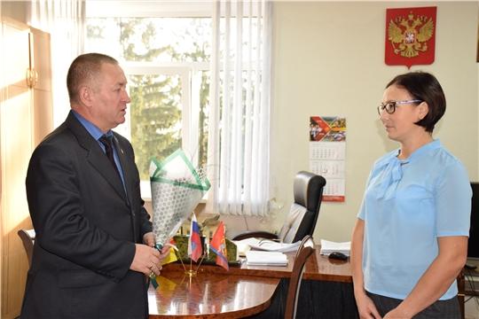 В администрации Красночетайского района заложена добрая традиция – чествовать именинников с Днем рождения